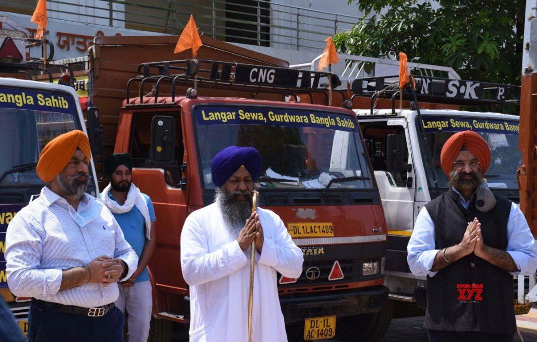 Anannke Partners Langar on Wheels Delhi